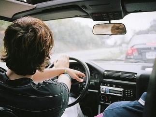 подростки в севастополе угнали машину