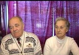 Во Львове обвенчали влюбленную пару пенсионеров