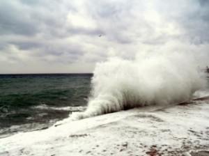 волны в Крыму