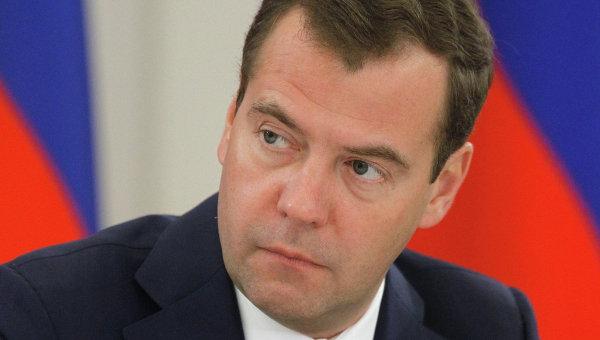 Медведев пообещал поддержать малый бизнес в Крыму
