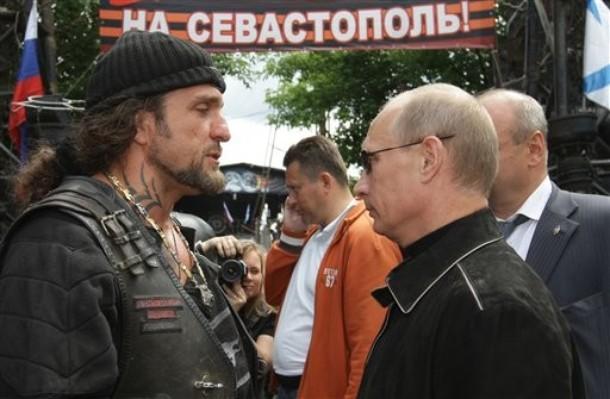 """Байкер """"Хирург"""" хочет ввести новый герб России"""