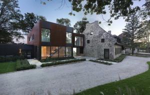 В прибрежной Англии началось строительство дома для трех поколений