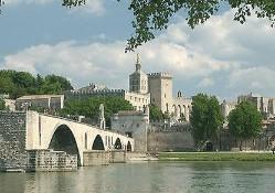 Цена старинной недвижимости в Париже растет