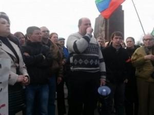 В Харькове 300 митингующих провели выборы «народного губернатора»