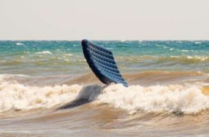унесло в море на матрасе