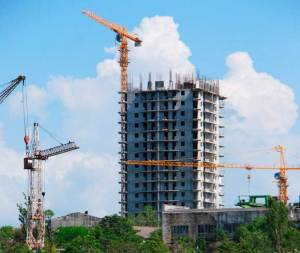 В Севастополе рейдеры, захватившие 16-ти этажный дом, не допустили специалистов ГАСК, экспертизы, МЧС и Прокуратуры