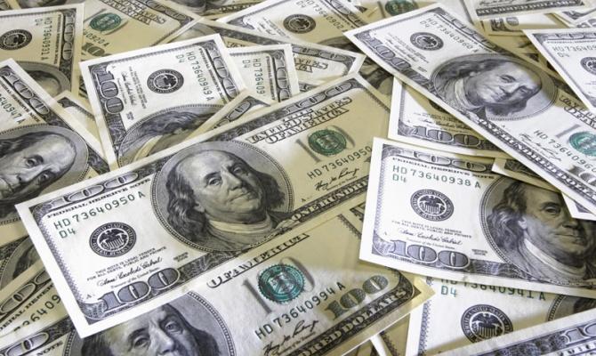 5 февраля доллар официально стоил 18 гривен
