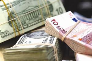 Снижение евро на Форексе составило 1.3168
