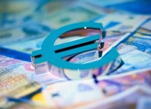 На форексе евро упал к доллару до 1.3380