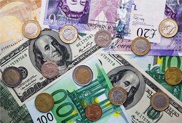 В конце недели торги евро на Форексе оставались во флете
