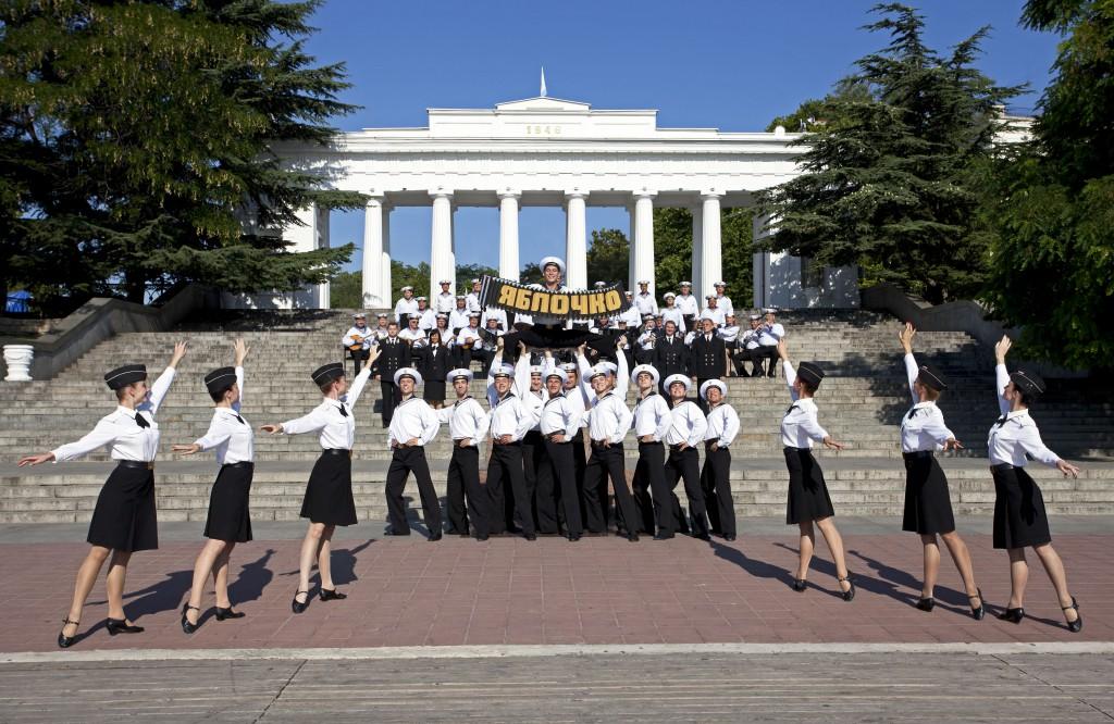 Ансамбль песни и пляски Черноморского флота РФ провёл концертный тур по 8 городам Юга России