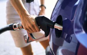 Цена бензина в Украине подскочит, если гривна не стабилизируется