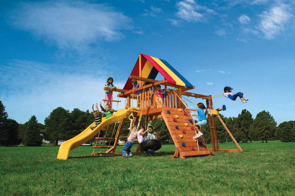В Севастополе установят 53 детские площадки