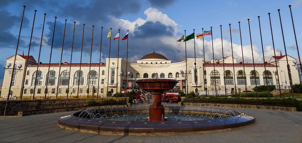 Банковской академией будет распоряжаться Нахимовское училище