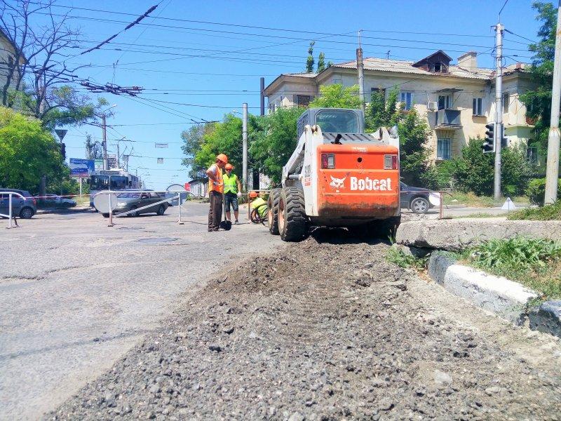 ОНФ проконтролирует ремонт дорог в Севастополе