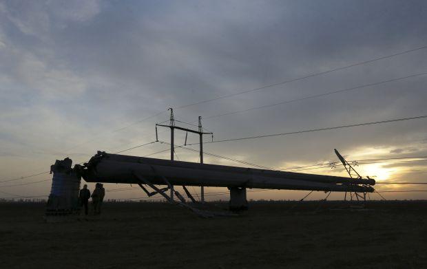 Не прошло и три года: украинцы снова хотят поставлять в Крым воду и электроэнергию