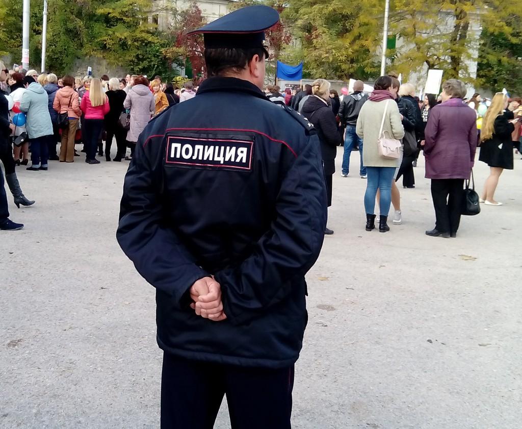 Родителям на заметку: у севастопольского школьника посреди дня украли мобильный телефон