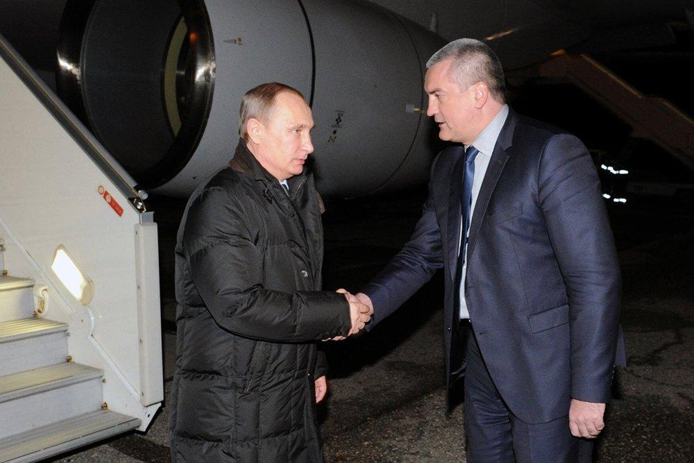 Аксенов поблагодарил Путина за Крым