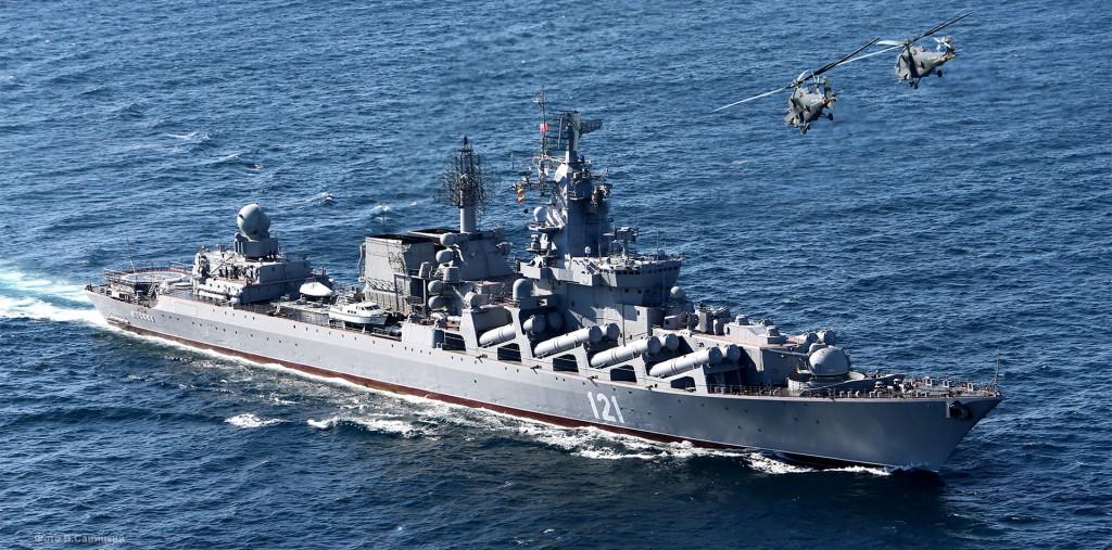 Гвардейский ракетный крейсер «Москва» вернулся в Севастополь из Средиземного моря