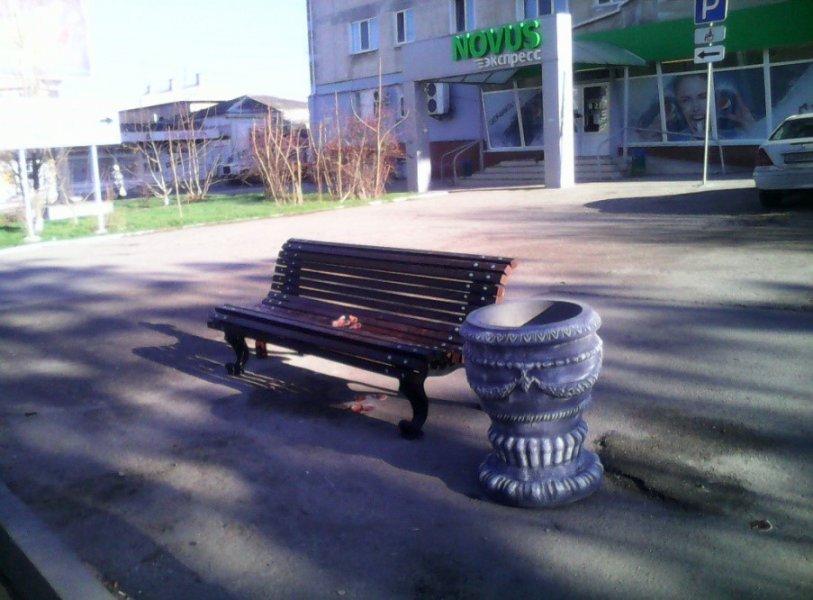 В Севастополе установлена новая уличная мебель