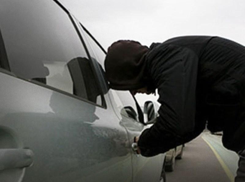 Севастопольские полицейские задержали подозреваемого в краже из авто