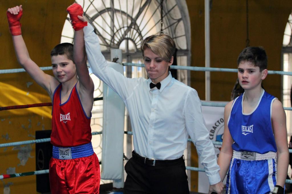 В Севастополе определили победителей первенства города по боксу