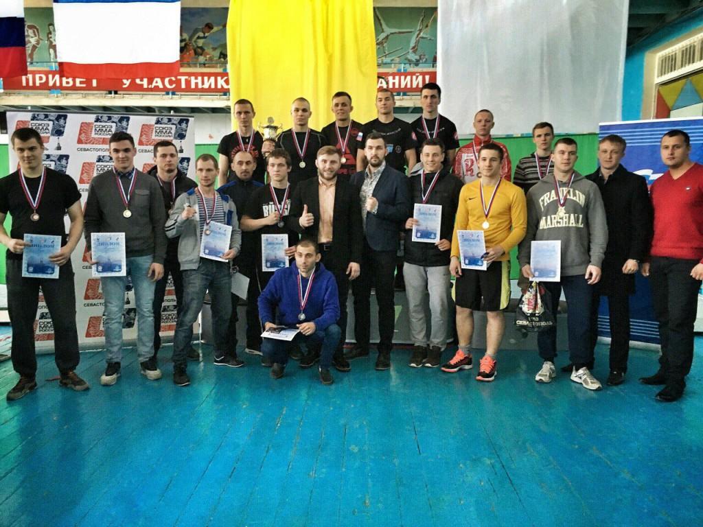 Четыре десятка севастопольцев сразились за звание лучших в ММА