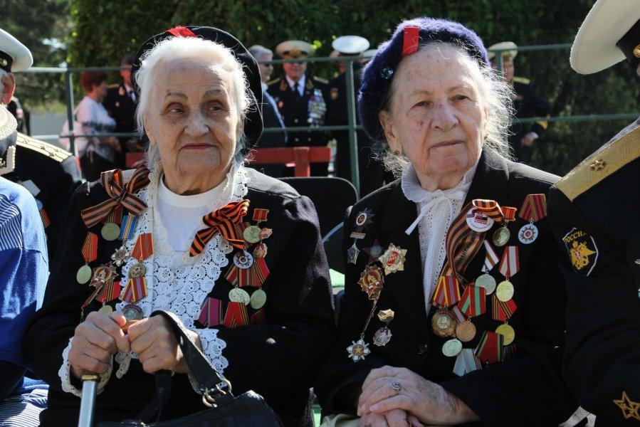 Севастопольским ветеранам ко Дню Победы раздадут деньги