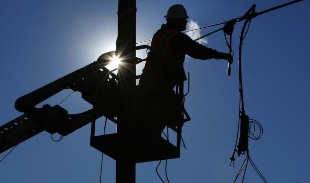 Почти 250 тыс крымчан остались без света из-за аварии на ЛЭП