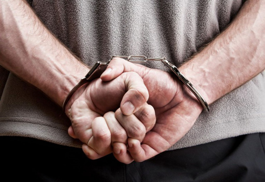 Крымчанин получит срок за кольцо и пару сережек