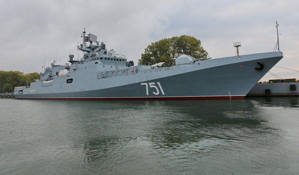 Капитан новейшего севастопольского корабля повредил судно, не успев выйти в море