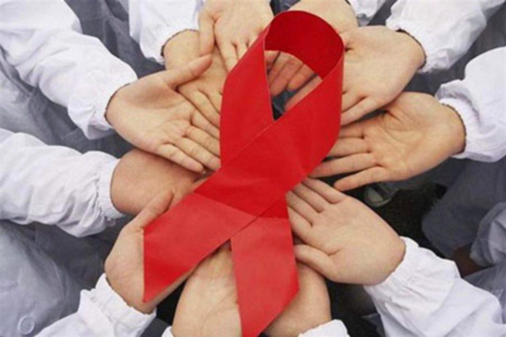 B день борьбы со СПИДом севастопольцам раздадут красные ленточки и предложат бесплатный тест на ВИЧ