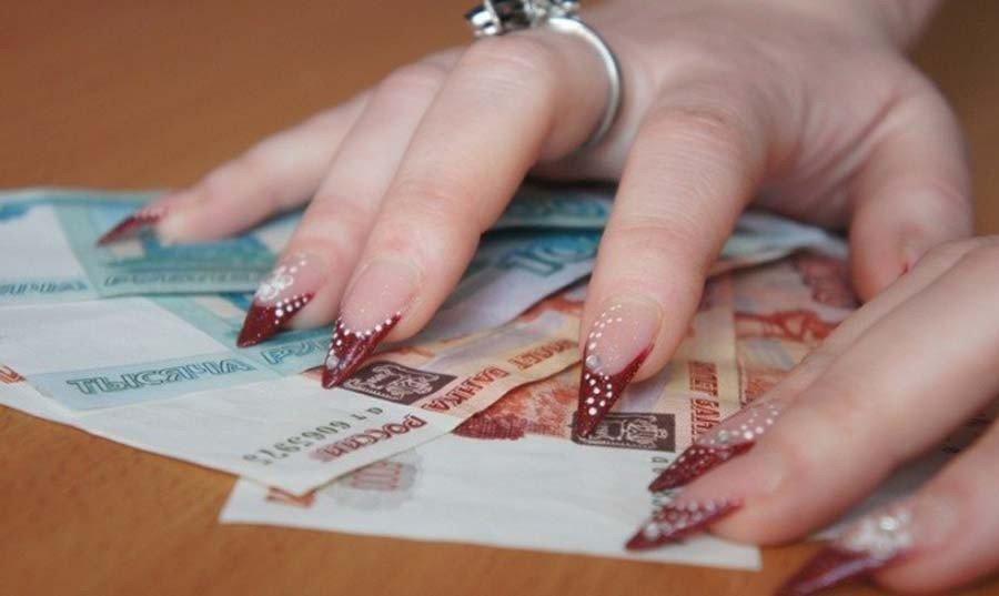 """Севастопольская мошенница """"на сложной жизненной ситуации"""" заработала 50 млн.рублей"""