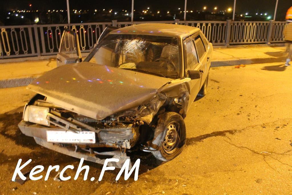 В Керчи полицейский на БМВ стал участником ДТП: пострадала женщина