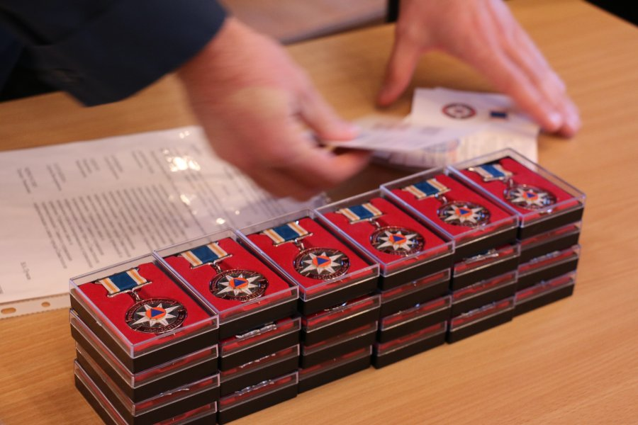 В Севастополе наградили участников ликвидации последствий ЧС по линии связи