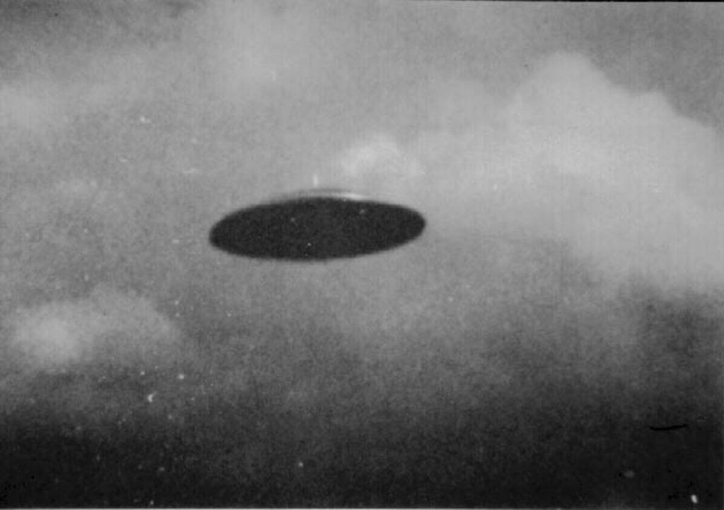 В небе над Севастополем зафиксировали НЛО (ВИДЕО)