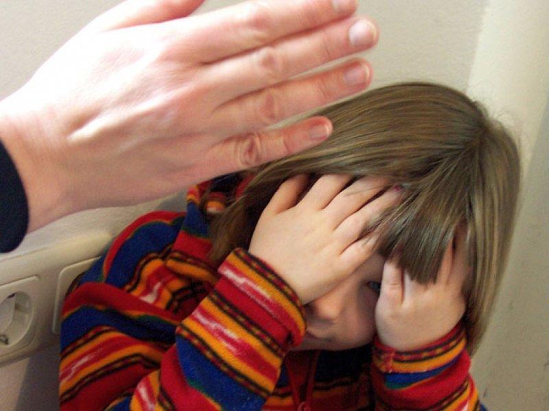 """В Севастополе неадекватная мать избивала малолетнего сына """"в целях воспитания"""""""