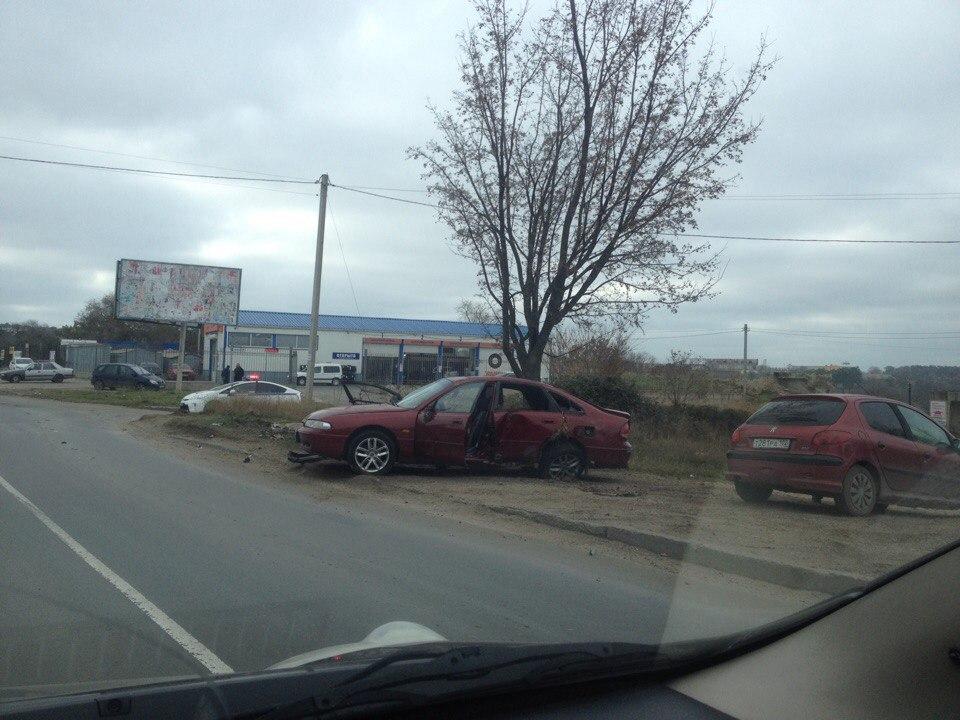 """Лобовое столкновения Mitsubishi в Севастополе: Galant на огромной скорости """"поцеловал"""" Evolution (ФОТО, ВИДЕО)"""