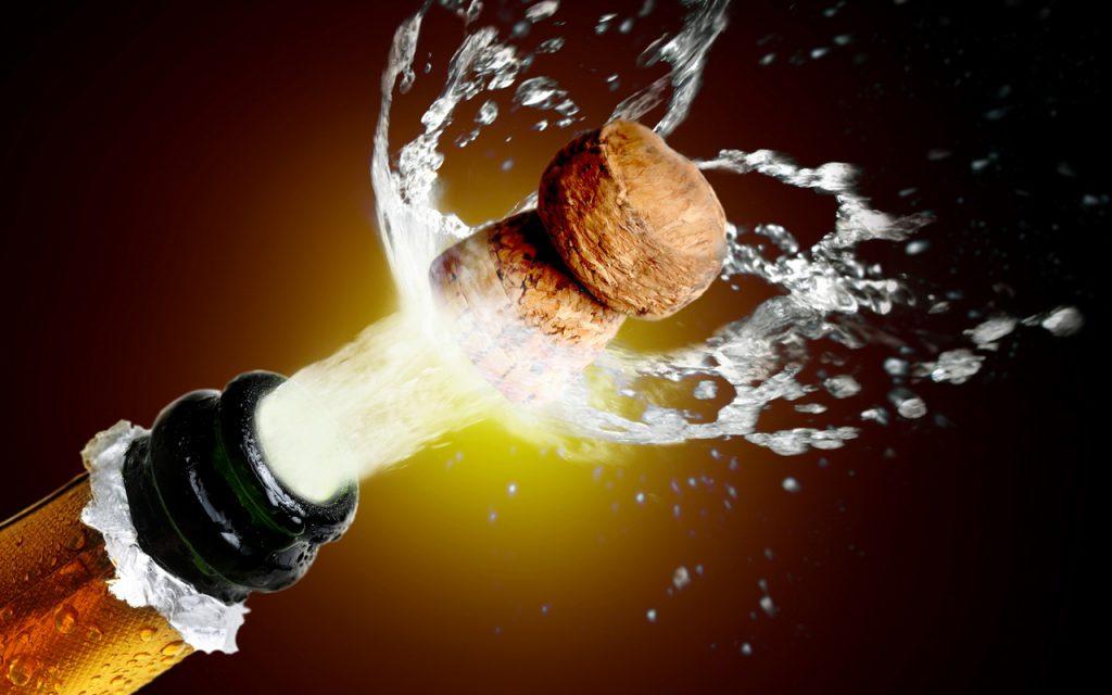 Ради защиты Крыма в России подорожает шампанское