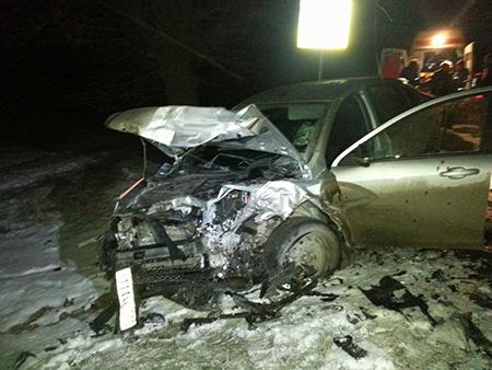 В Крыму в хлам разбились Renault и Lada: пострадали три человека (ФОТО)