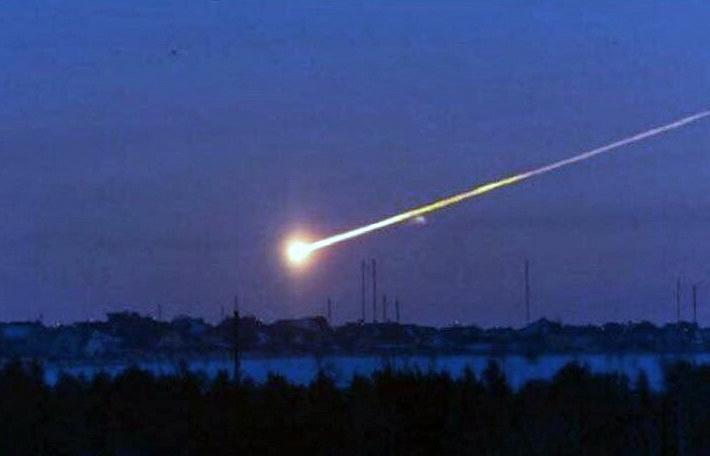 В Сибири упал метеорит: в домах шатались стены, у машин сработала сигнализация (ФОТО, ВИДЕО)