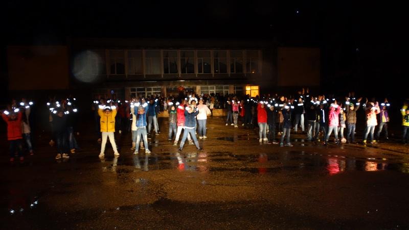 В Севастополе школьники призывали взрослых использовать световозвращающие элементы