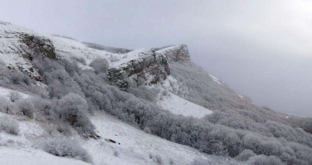 В крымских горах спасены два человека