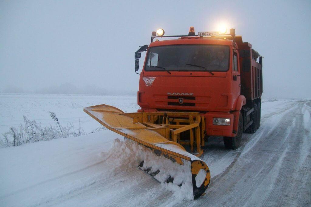 В Крыму снегоуборочная техника сломалась в течение часа после выезда