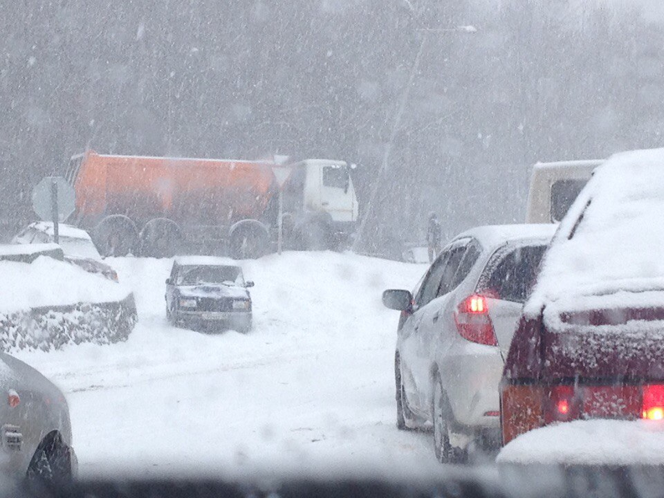 В Крыму обещают снежную бурую и резкое похолодание