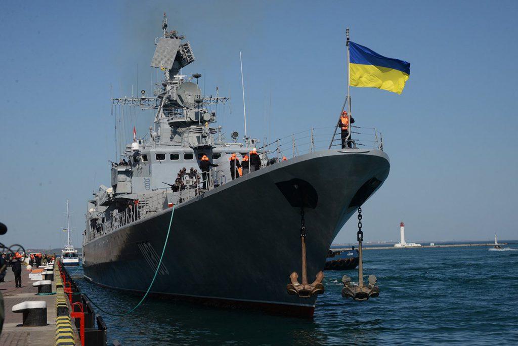 """ВМС Украины заявили, что украинские корабли в Крыму """"пустили"""" на запчасти"""