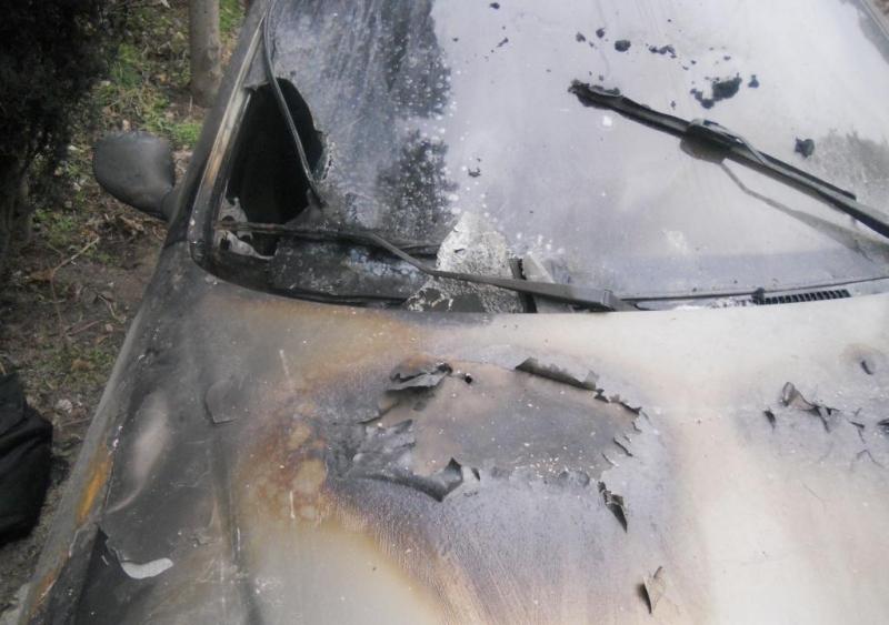 Крымчанин на почве ревности поджег автомобиль бывшей супруги (ФОТО)