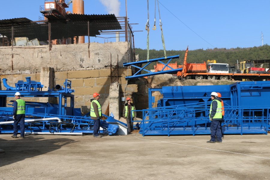 В конце марта заработает первый севастопольский государственный асфальтобетонный завод