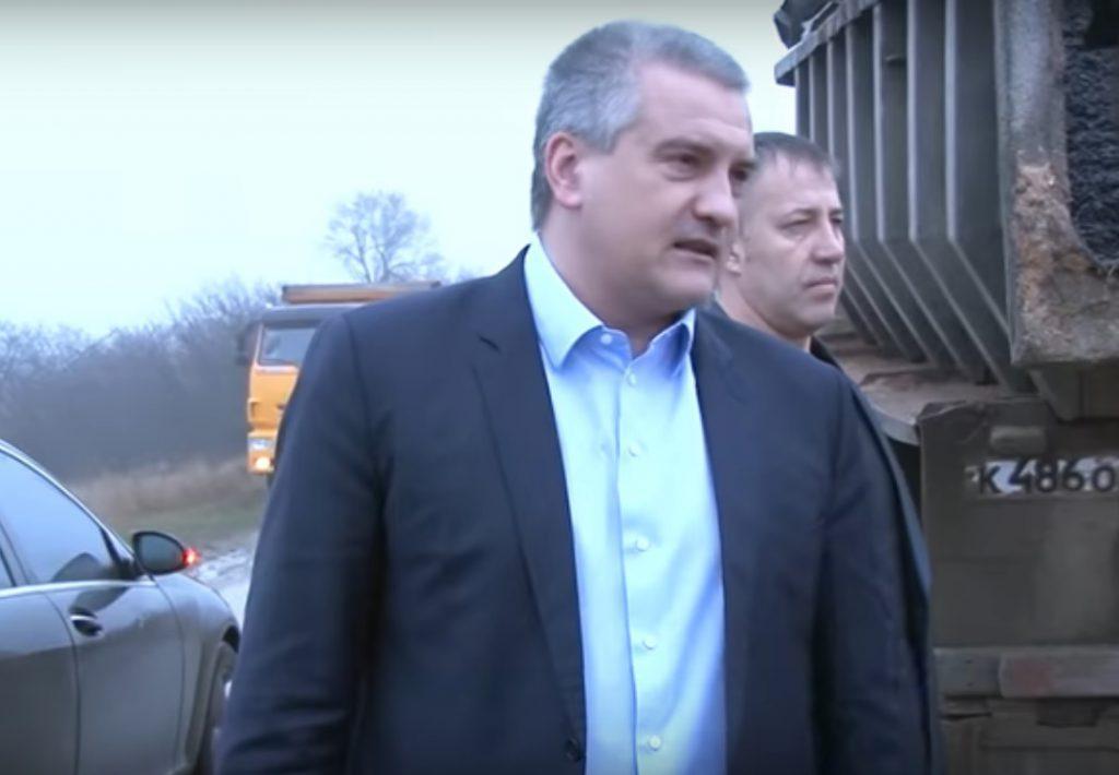 Аксёнов поручил передать следователям материалы на чиновников «Крымавтотранса»