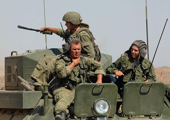 Военные в Крыму отрабатывают нейтрализацию диверсантов